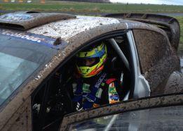 'Cohete' Suárez prueba con éxito el Ford Fiesta WRC oficial