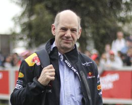 Adrian Newey &quot;Nuestro coche usa el reglamento al lmite&quot;