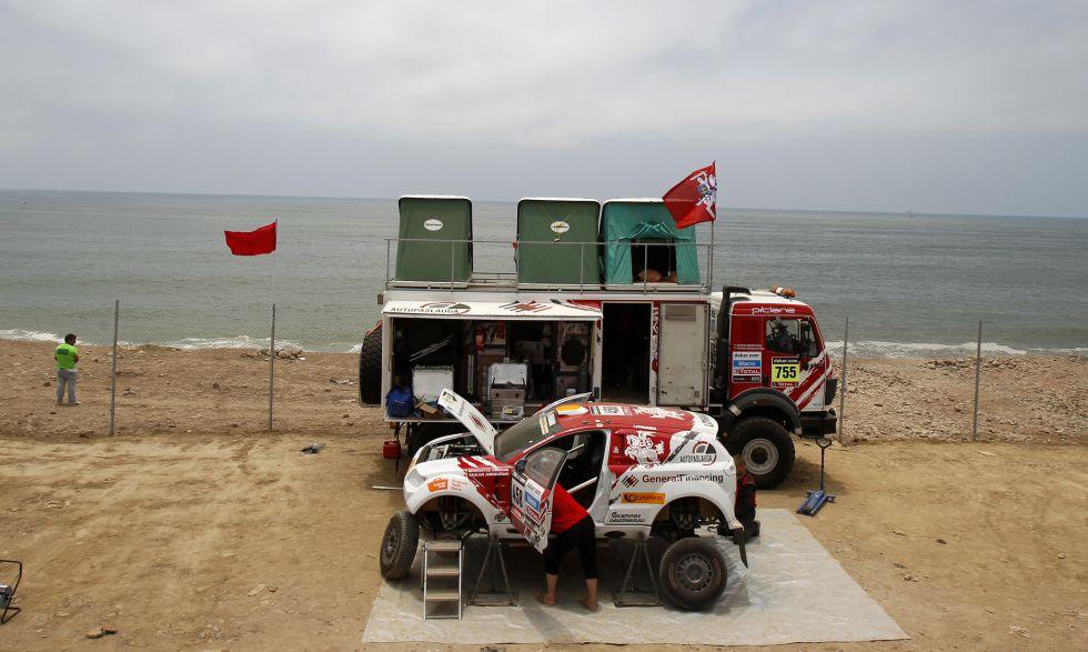 Desde la playa de Lima y con 15.427 agentes de policía