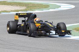 Jaime Alguersuari seguirá como piloto probador de Pirelli