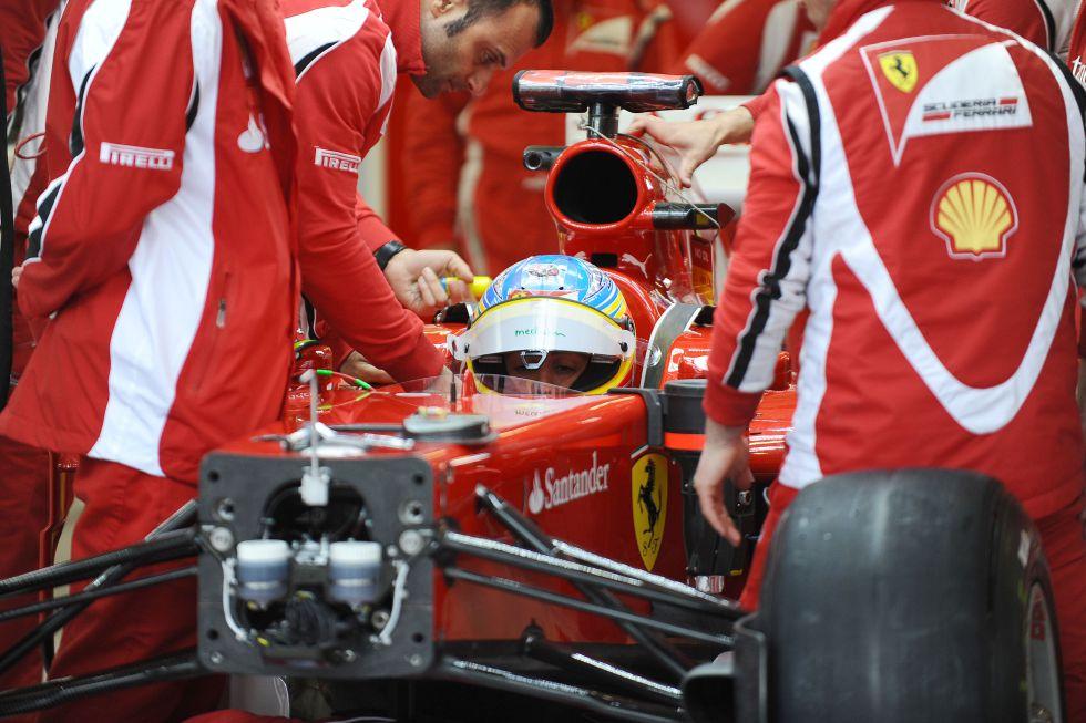 Ferrari despide una era con su nuevo monoplaza el F138