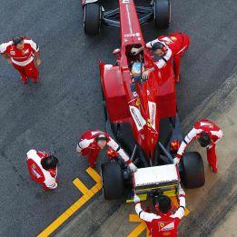 Fernando Alonso demuestra quién es el jefe en Montmeló