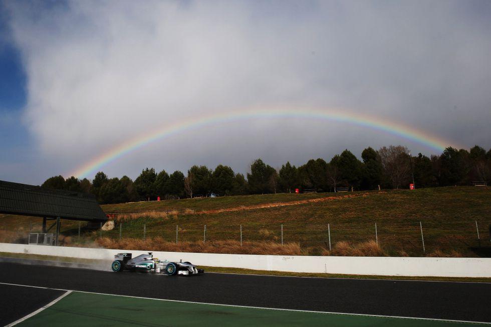 Webber el más rápido con Red Bull con la pista secándose