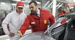 Alonso visita la fábrica y prueba el nuevo deportivo LaFerrari