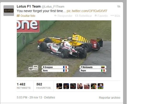 Lotus tira de humor: sube una foto de sus pilotos chocando