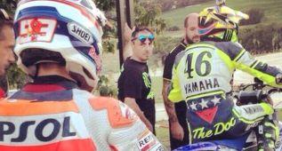 Rossi y Márquez comparten una jornada de 'dirt track'