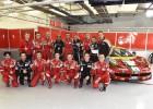 Alonso visita al equipo Ferrari del Mundial de resistencia