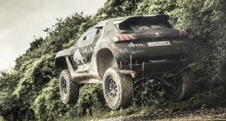 Peugeot gana fiabilidad a un mes del arranque del Dakar 2015