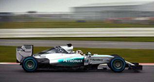 Mercedes pone en pista el W06, su nuevo monoplaza para 2015