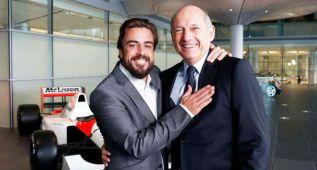 Dennis descarta que Alonso pueda dejar McLaren en 2016