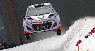Thierry Neuville se acuesta líder por delante de los Volkswagen