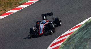 Alonso rodó con regularidad en el McLaren y fue séptimo