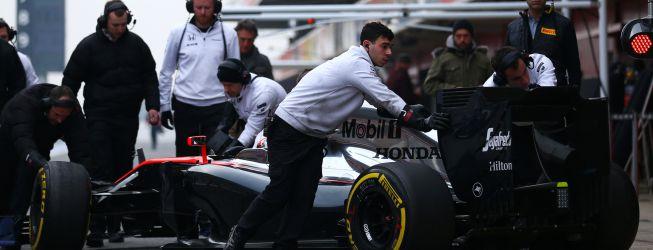 El McLaren-Honda sólo dejó dar 24 vueltas a Button en Montmeló