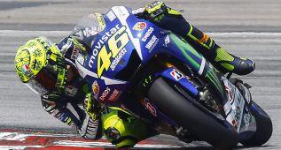 MotoGP vuelve a la acción con Rossi al frente de los tiempos