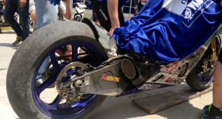 Lorenzo, 'Dovi', Aleix, Miller... muchas caídas con los Michelin