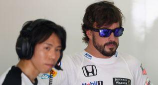 """Alonso: """"No he notado nada en el coche, pero había que parar"""""""