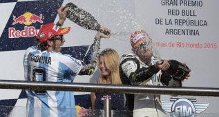 Rossi homenajeó a Maradona en el podio de Termas