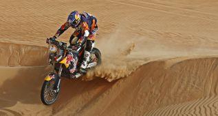 Coma y Al-Attiyah aumentan su ventaja en motos y coches
