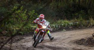 Joan Barreda abandona el Desafío Ruta 40 por una caída