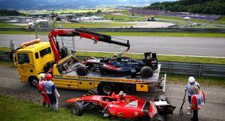 Alonso y Raikkonen fuera de carrera tras un fuerte accidente