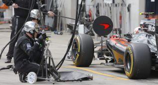 Boullier teme que el déficit de McLaren pueda afectar a 2016