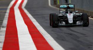 Mercedes ya prueba cosas para el monoplaza del próximo año