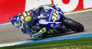 Rossi continúa 'on fire' y Lorenzo encuentra soluciones para su M1