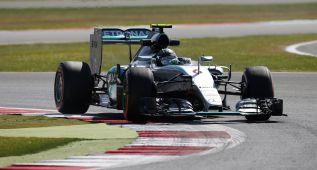 Rosberg domina el viernes con los Ferrari al acecho