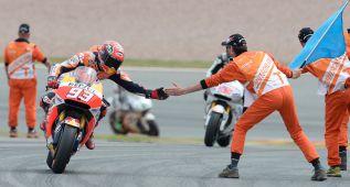 Marc Márquez resurge y gana, pero Valentino es aún más líder