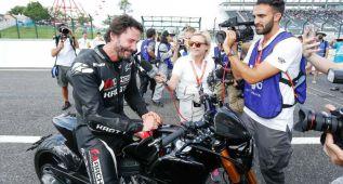 Keanu Reeves rueda con su moto en el circuito de Suzuka
