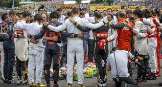 Emotivo minuto de silencio como homenaje a Bianchi