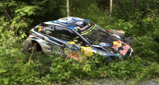 Brutal accidente de Andreas Mikkelsen en Finlandia
