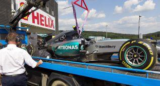 Nico Rosberg domina y también se asusta en los libres del viernes