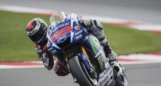 Lorenzo impresiona con la Yamaha en el FP3 de Silverstone