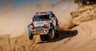 Al-Attiyah conquista el título de la FIA rumbo al Dakar 2016