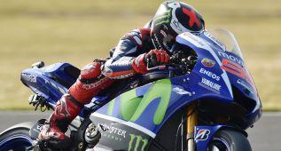 El gran duelo Lorenzo-Rossi llega a Q2 con pole del español