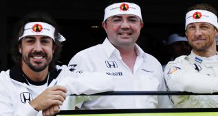 McLaren celebró los 250 GPs de Alonso con un pañuelo
