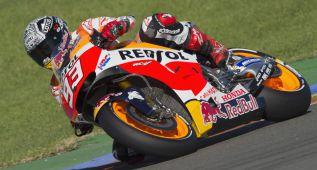 Márquez vuelve a ser el más rápido en el test de Cheste