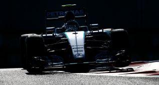 Rosberg manda con Sainz, décimo en los últimos libres