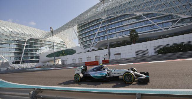Rosberg hace pole; Sainz fue décimo y Alonso pinchó (17º)