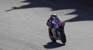 Lorenzo lidera en Sepang con un segundo sobre Rossi