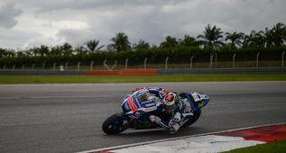 Lorenzo marca territorio con un segundazo sobre Rossi