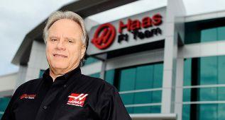 Haas se viste de Alpinestars
