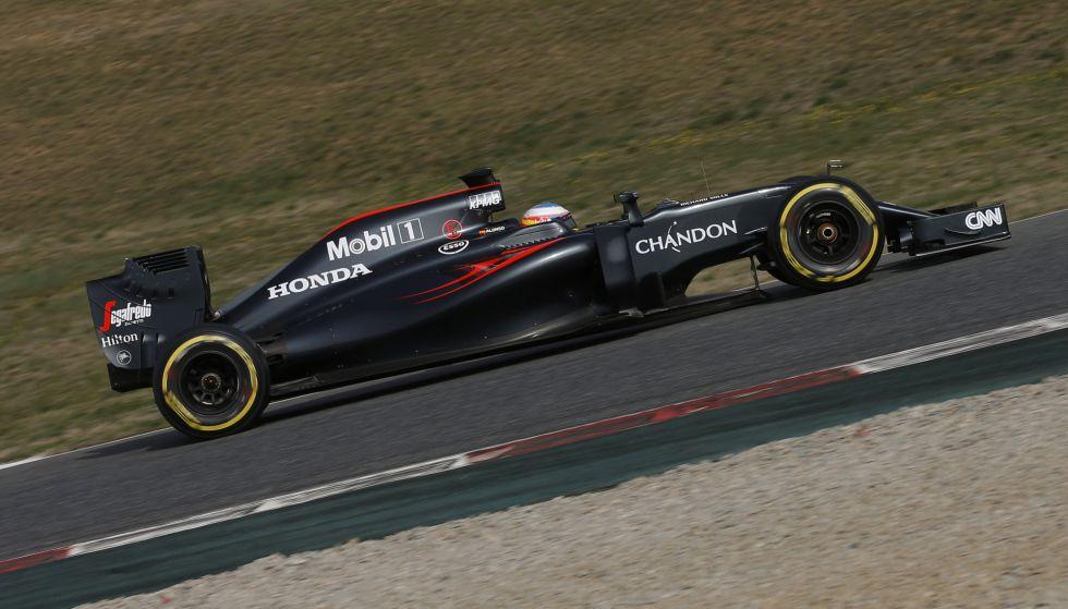 McLaren de nuevo en pista para recuperar el tiempo perdido