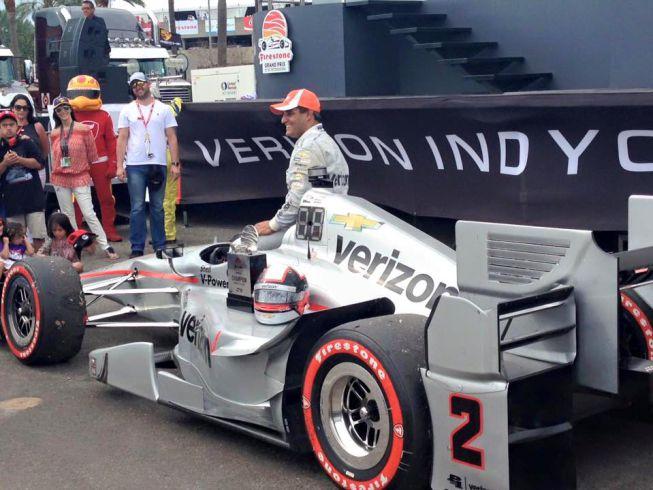 Juan Pablo Montoya vence en el debut de la Indycar y arremete contra la F-1