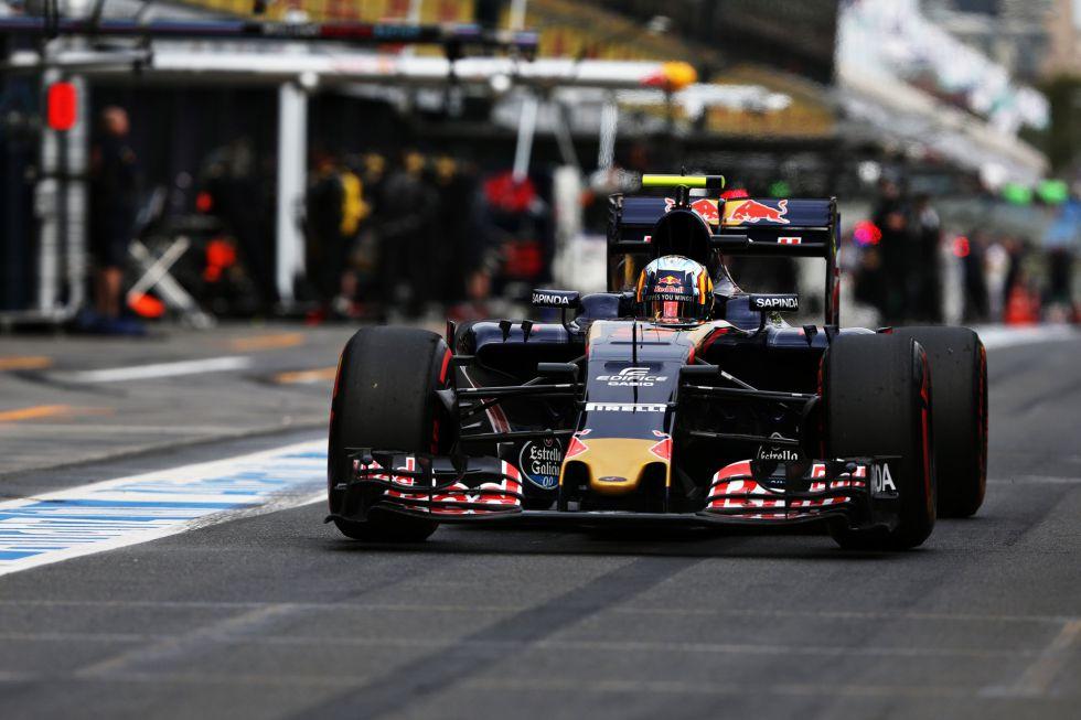 Sainz se pasa de rápido: multa de 500€ por exceso de velocidad.