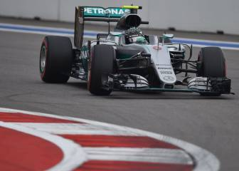 Pole de Rosberg, Hamilton 10º y Sainz y Alonso fuera del Top 10