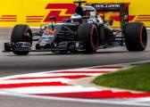 Alonso, en los puntos por fin en otra victoria de Rosberg