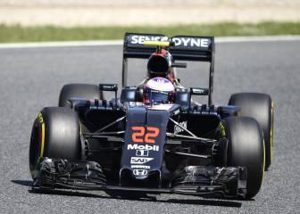 McLaren sólo tiene un alerón nuevo y se lo da a Button