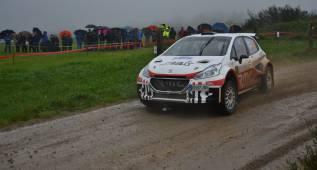 Xevi Pons estrena su nuevo coche con un triunfo en Galicia